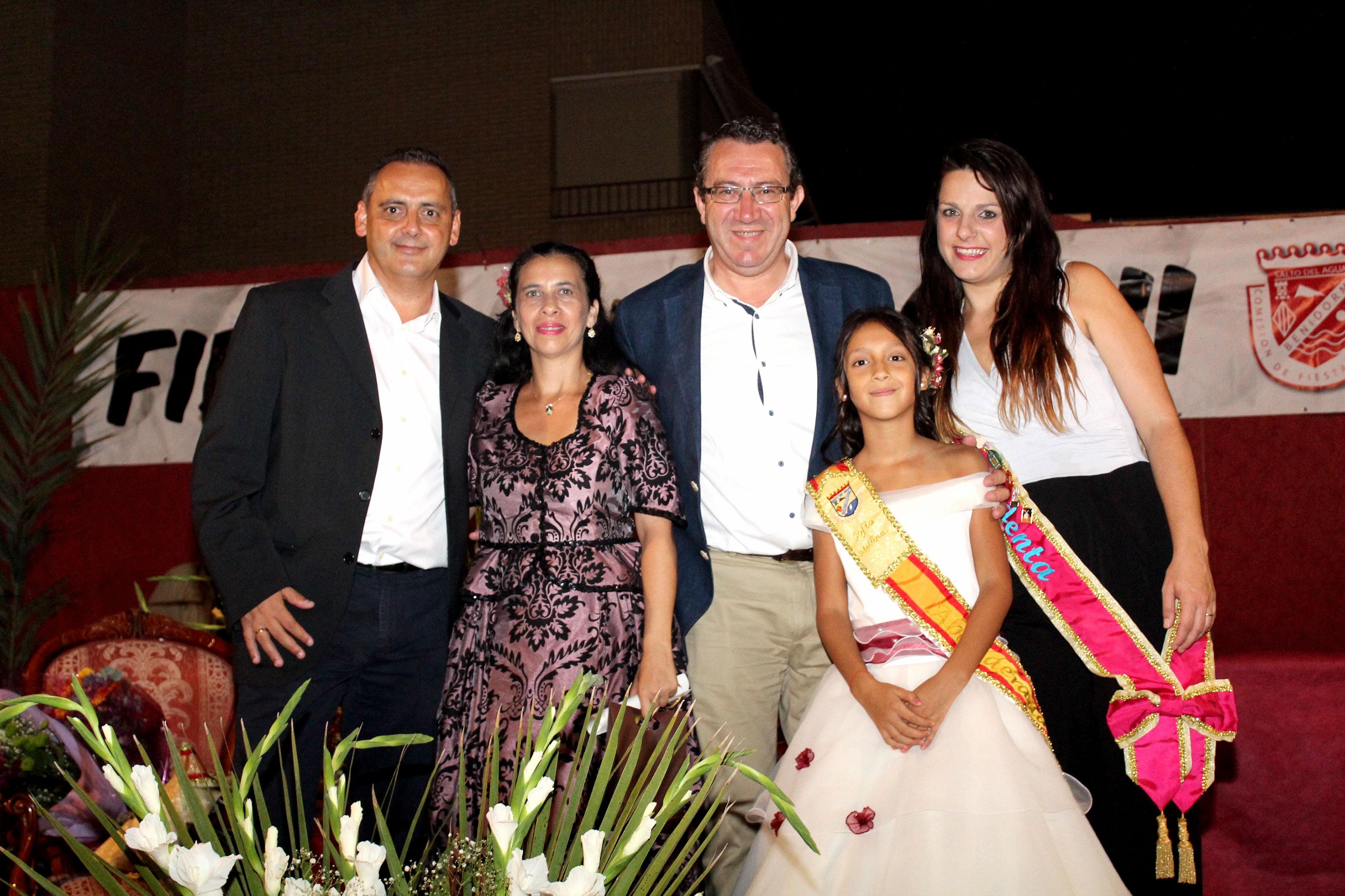 FIESTAS IMALSA.- Imalsa II proclama a su nueva abanderada que representará al barrio por todo Benidorm