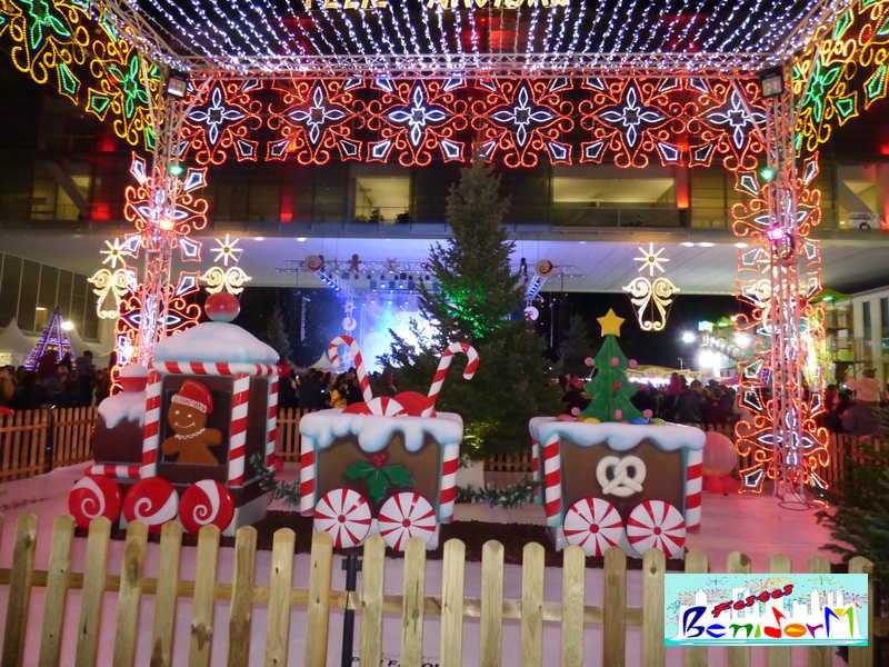 NAVIDAD.- Ya se puede disfrutar de la 'Plaza de la Navidad'