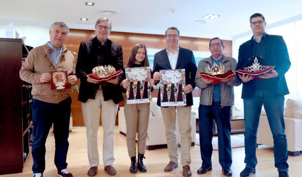 NAVIDAD.- Los emisarios de Sus Majestades los Reyes Magos de Oriente se reúnen con el Alcalde de Benidorm