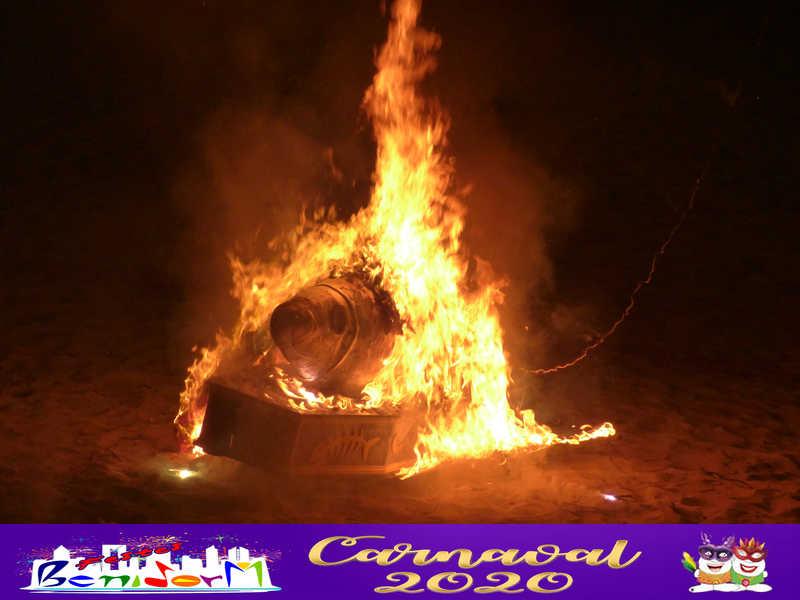 PENYES.- Con el Entierro de la Sardina finaliza los Carnavales de Benidorm