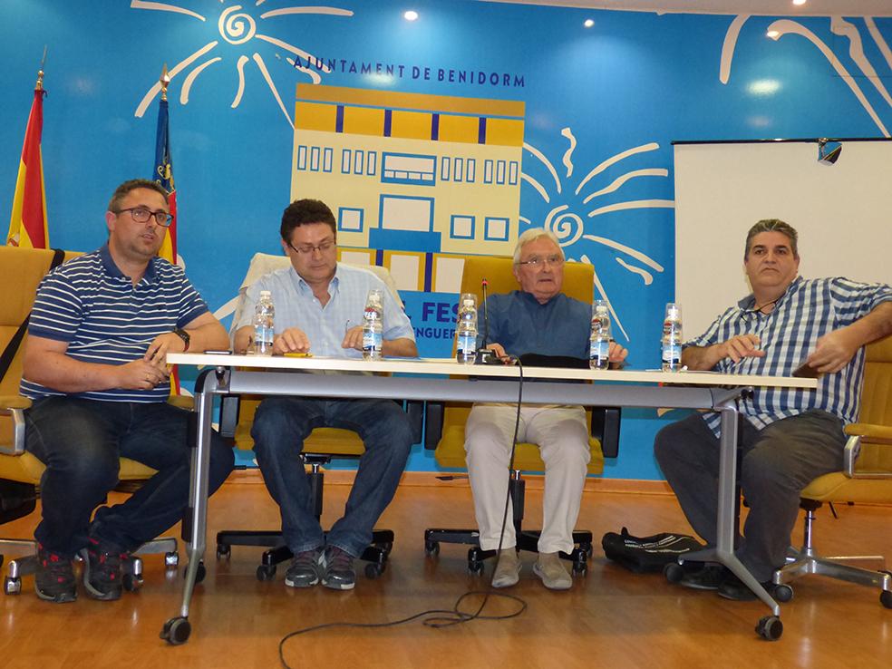 MOROS Y CRISTIANOS.-  La UNDEF reúne en Benidorm al colectivo para informar de las nuevas normativas
