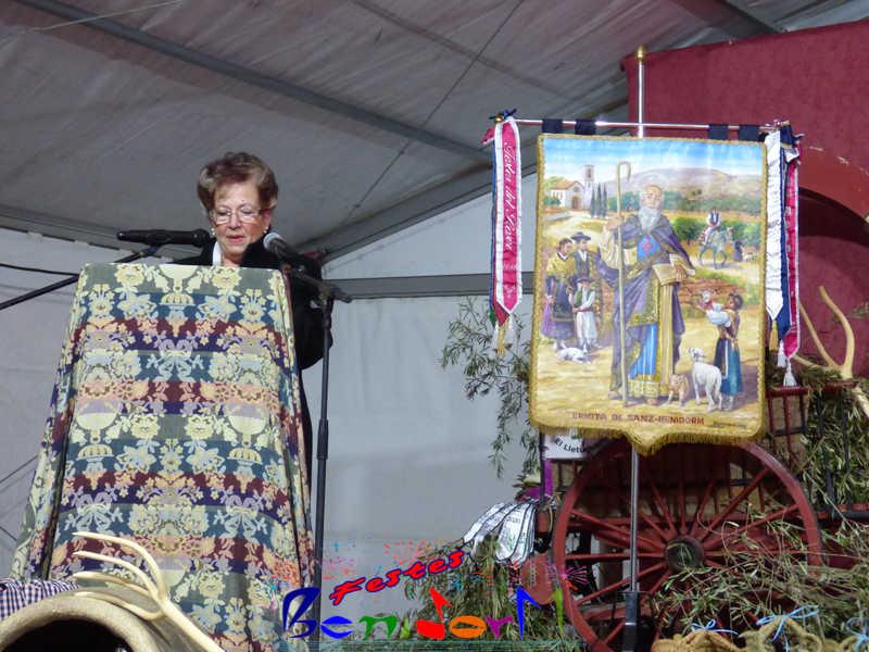 FESTES ERMITA.- Tradicional romería y ofrenda en honor a Sant Antoni