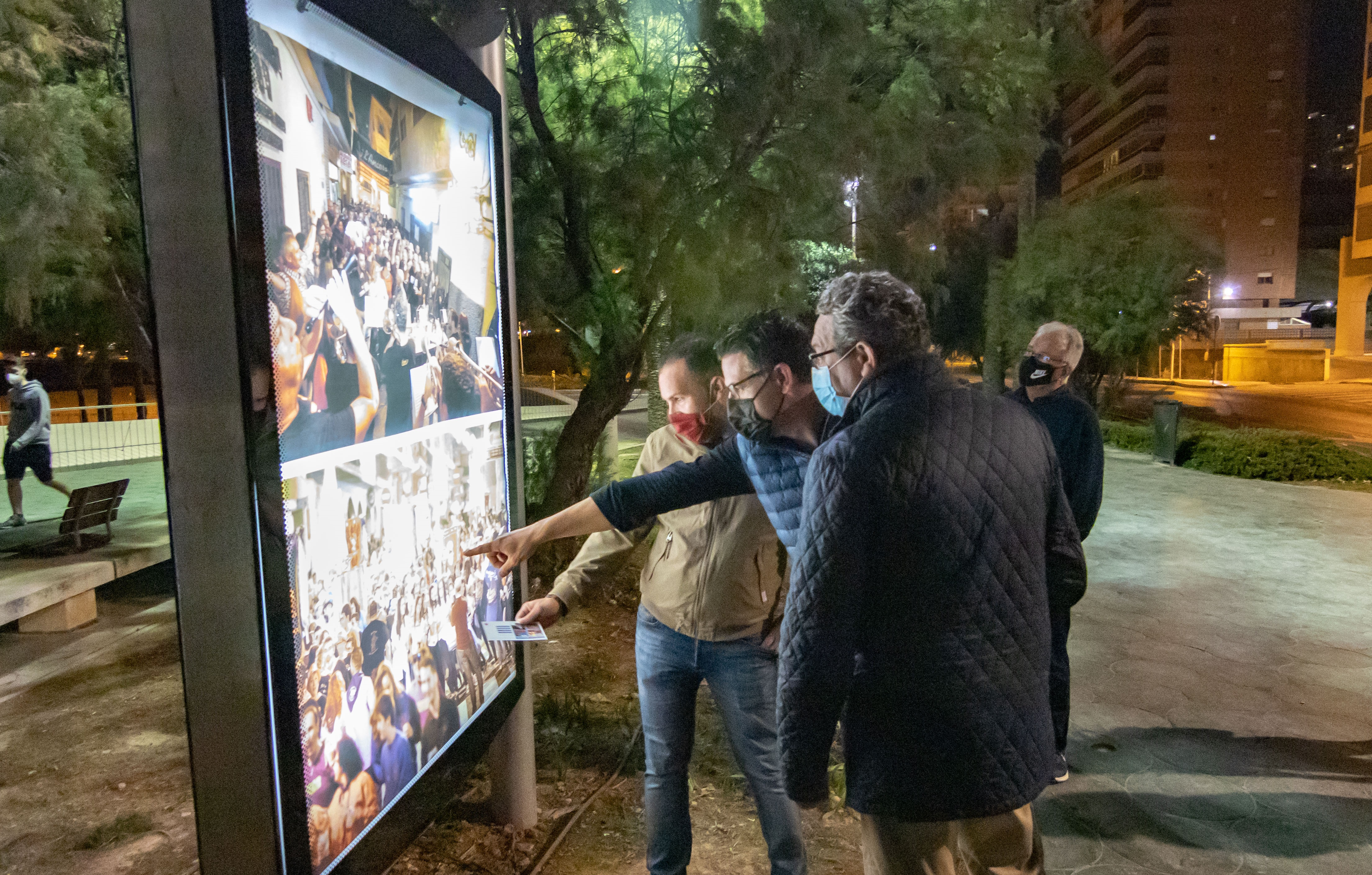 FESTES MAJORS.- Benidorm vive sus Fiestas Mayores Patronales con imágenes graficas en las calles